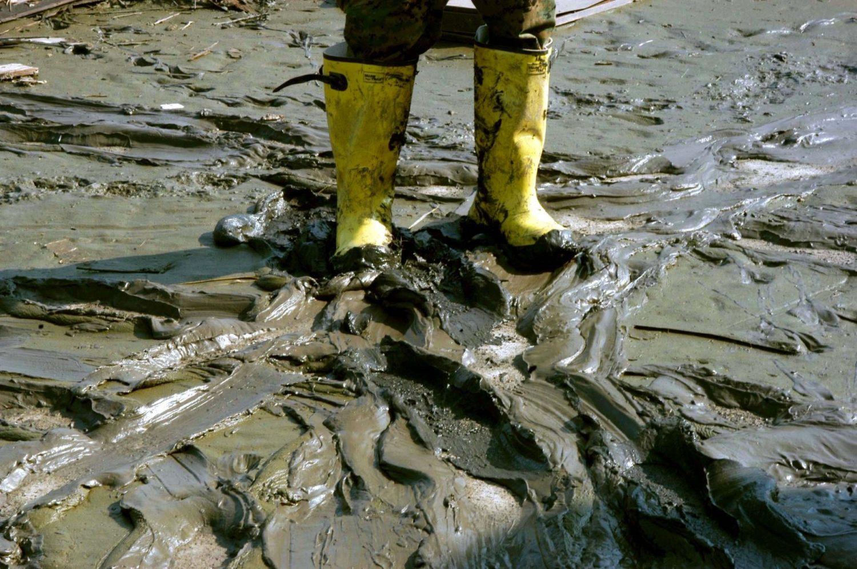 Hochwasser Maßnahmen was tun vorher nachher Bautrocknung Duregger Wasserschaden Wasserschadensanierung Sanierung Schlamm Überschwemmung Regen Magazin