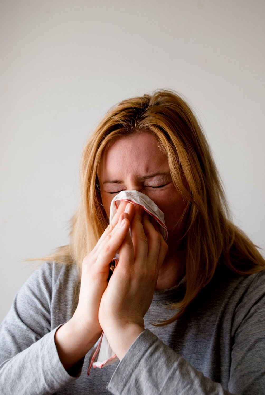 Schimmel Schimmelbefall Gesundheit Krank Allergiker Atemwegserkrankungen Schimmelpilz Schimmelbeseitgung Bautrocknung Duregger Neubautrocknung Magazin Symptome