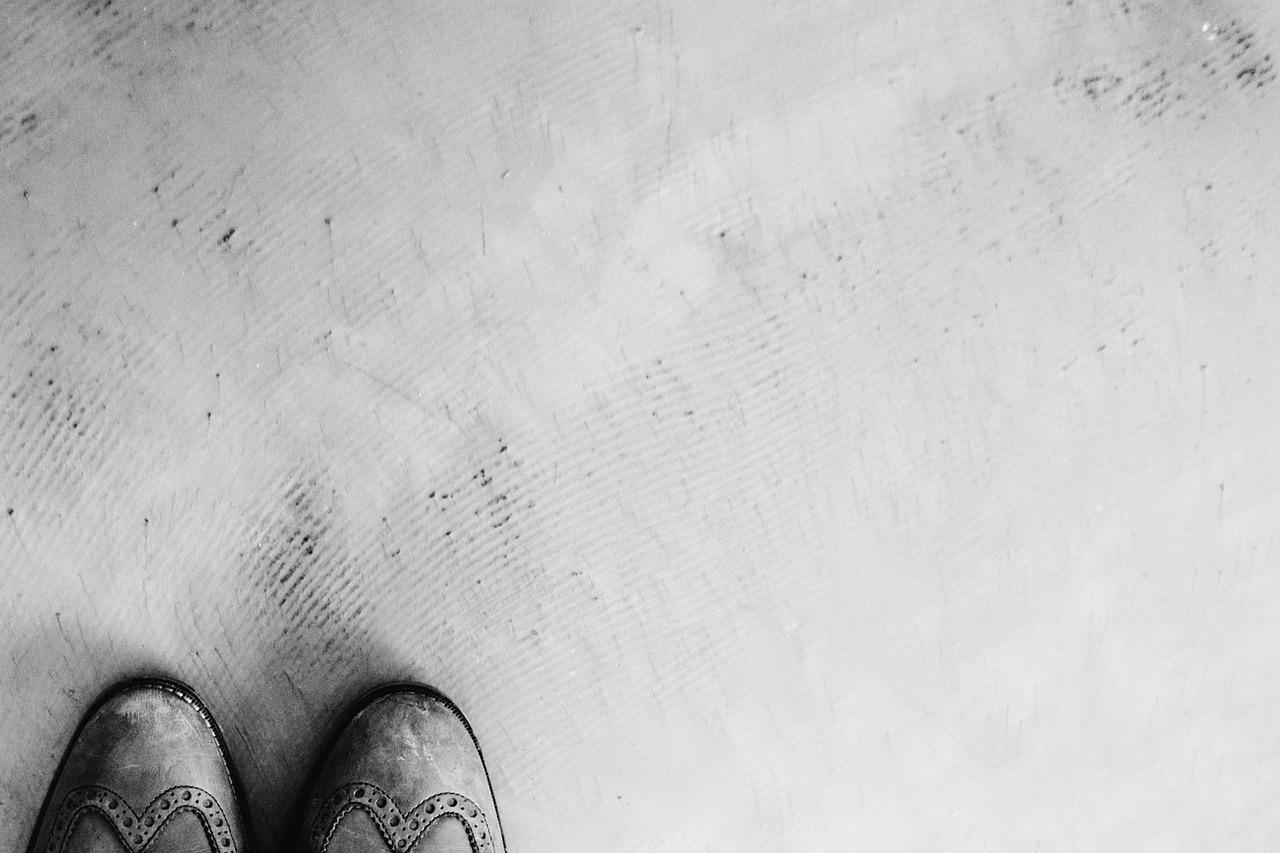 Bautrockner Luftentfeuchter Entfeuchtung Bautrocknung Duregger Neubau Wasserschaden Sanierung Kondensationstrockner Adsorptionstrockner Infrarotheizplatten Mikrowellentrockner Estrich
