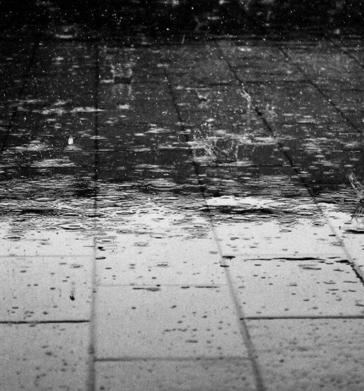 Estrichdämmschichttrocknung Estrichtrocknung Bautrocknung Duregger Überdruckverfahren Unterdruckverfahren Kernlochbohrungen Restfeuchte Estrich Lufteintrittsbohrungen Boden