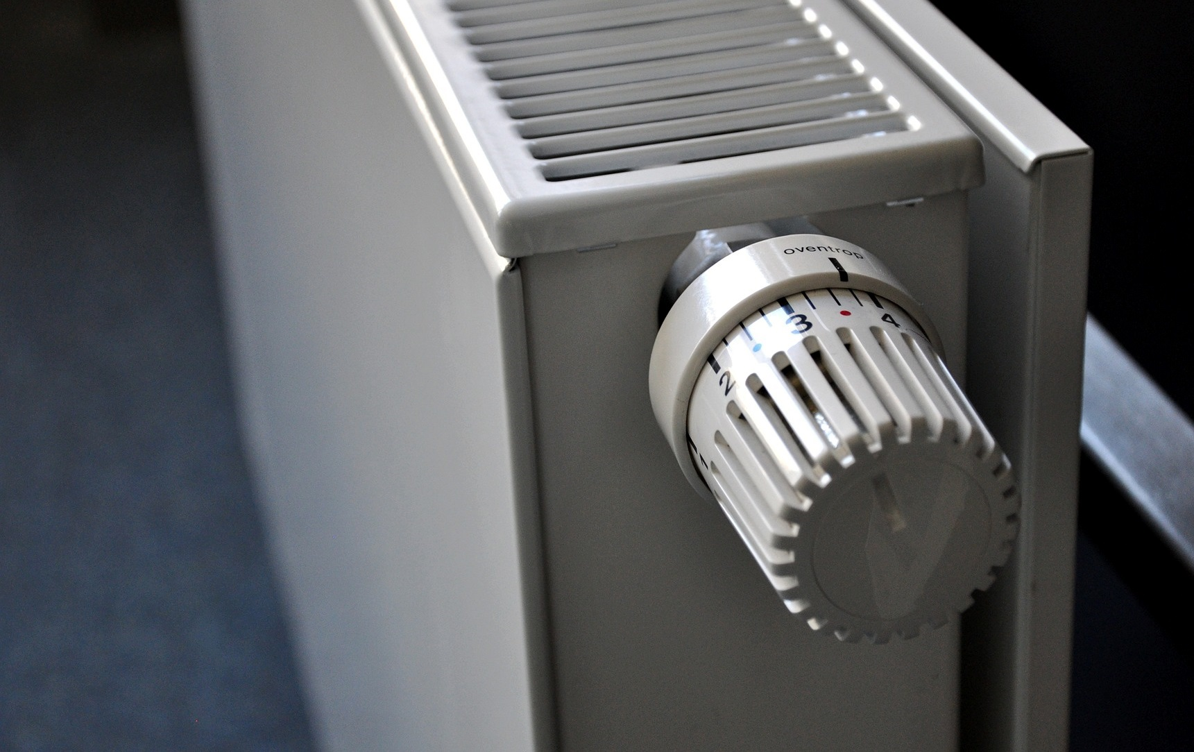 Schimmelpilzbefall vorbeugen Tipps Tricks Bautrocknung Duregger Bautrockner mieten München Miete Heizen Lüften Neubautrocknung Feuchtigkeit Luftentfeuchter Heizung