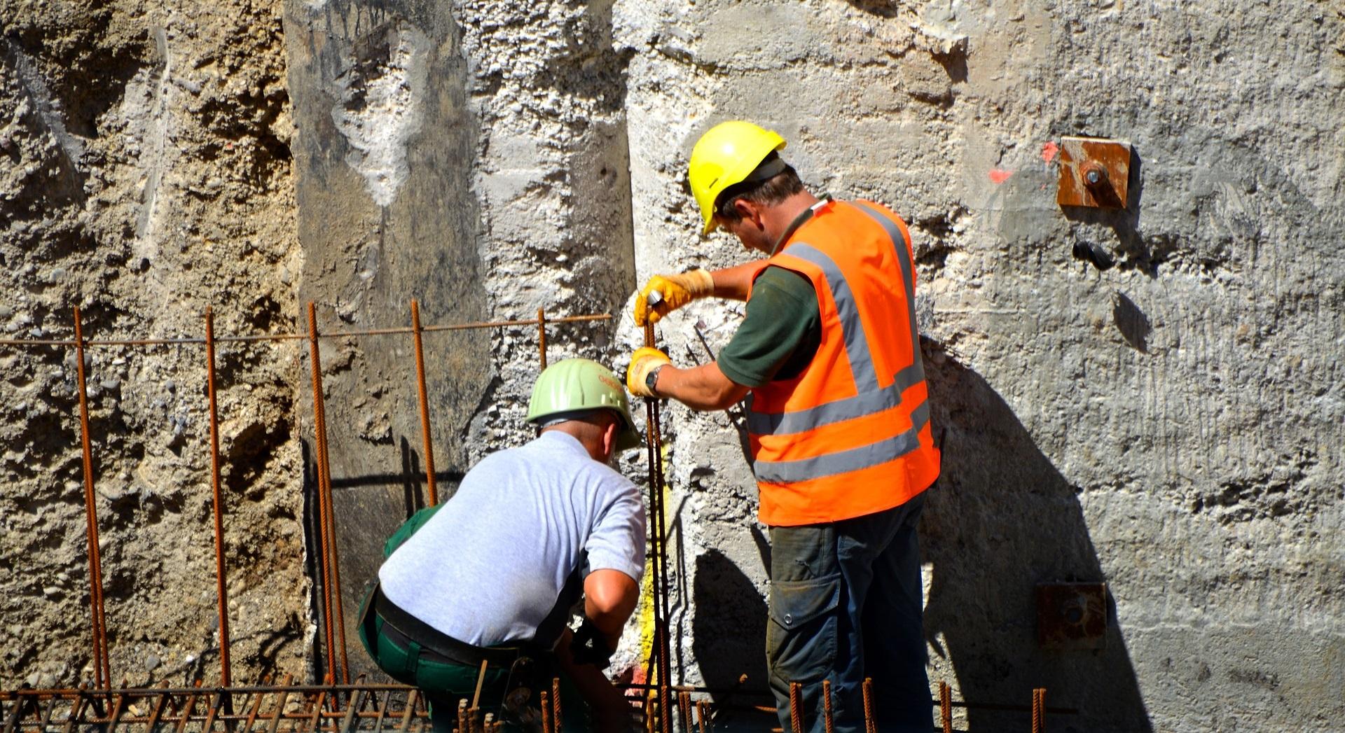 Schimmelpilzbefall vorbeugen Tipps Tricks Bautrocknung Duregger Bautrockner mieten München Miete Heizen Lüften Neubautrocknung Feuchtigkeit Luftentfeuchter Luftaustausch Neubau