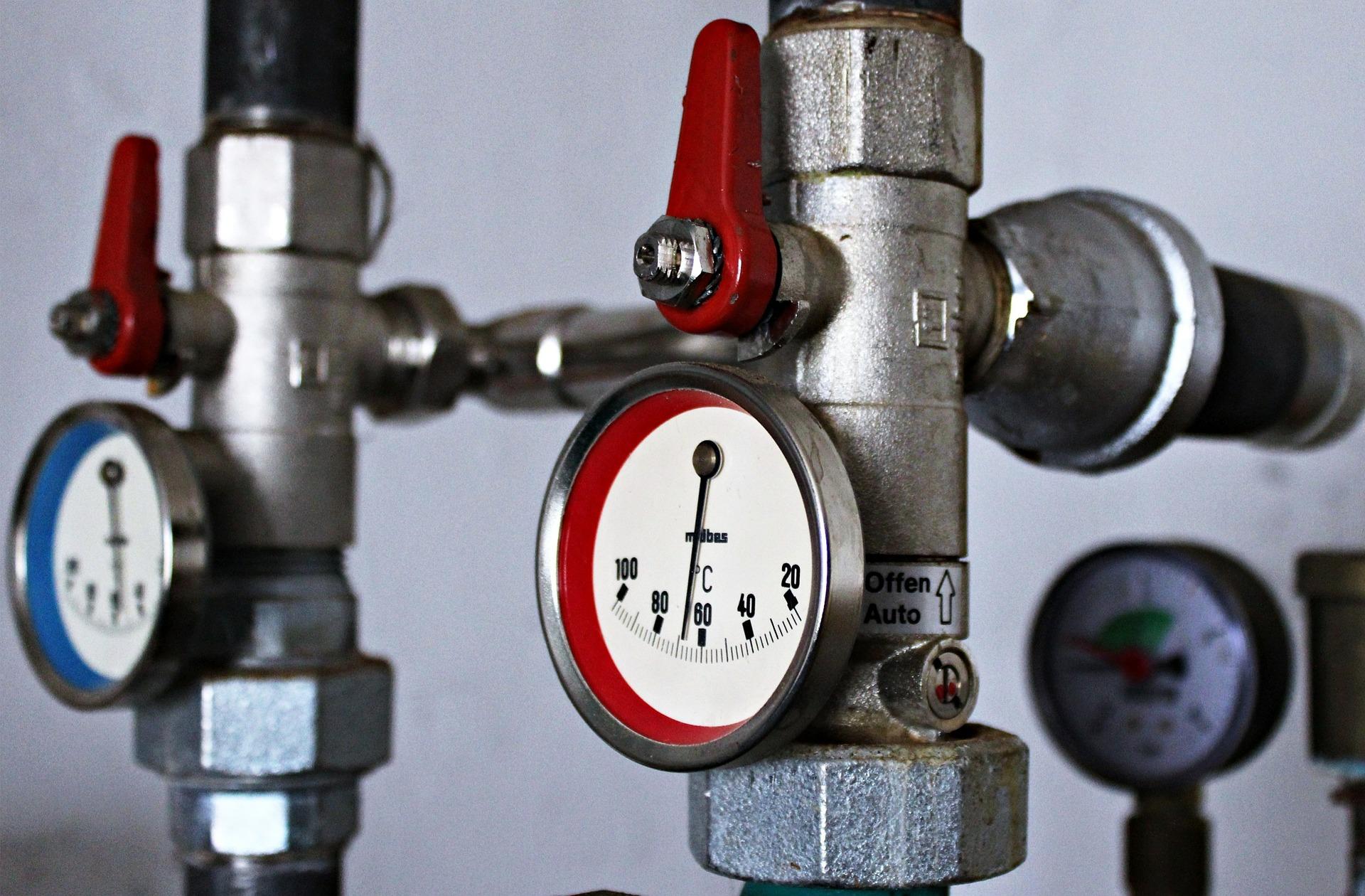 heizkosten-sparen-heizen-heizkoerper-entlueften-bautrocknung-duregger-luftfeuchtigkeit-lueften-bautrockner-mieten-muenchen-temperatur