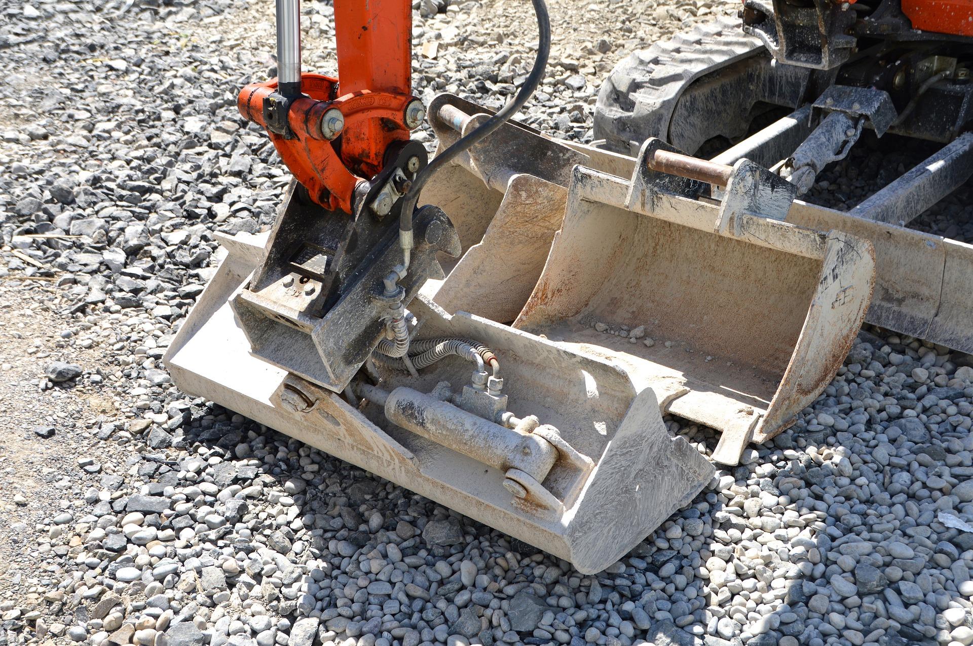 Trocknungsverfahren im Überblick speziell Trocknung Trocknungszeit Infrarottrocknung Unter-Estrich Trocknung Hohlraumtrocknung Wasserschäden Feuchtigkeit Bau