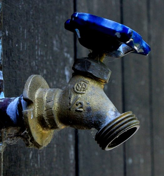 Ursachen Wasserschaden Leck Rohrbruch Wasserschäden Bautrocknung Duregger Bautrockner mieten München